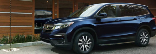 Navy Blue 2019 Honda Pilot parked curbside